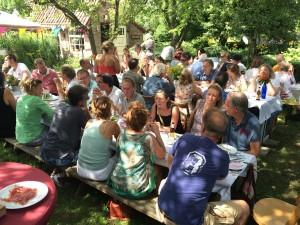 feest in de boomgaard